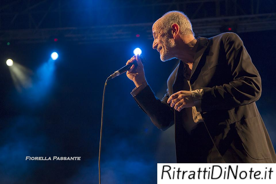 Peppe Servillo @Dock of Sounds Ph Fiorella Passante