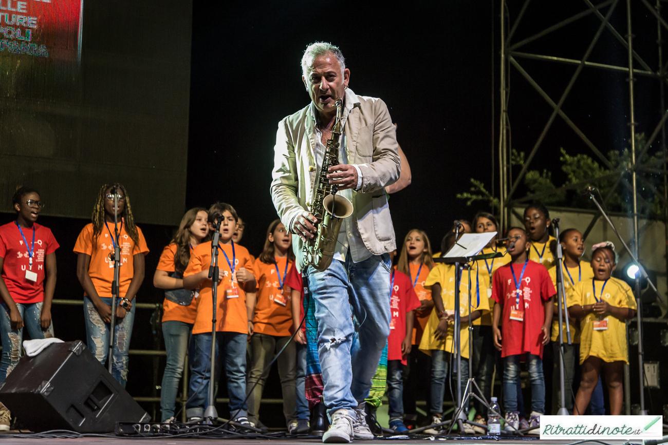 """""""Migranti. Napoli è mille colori"""" ph Luigi Maffettone"""