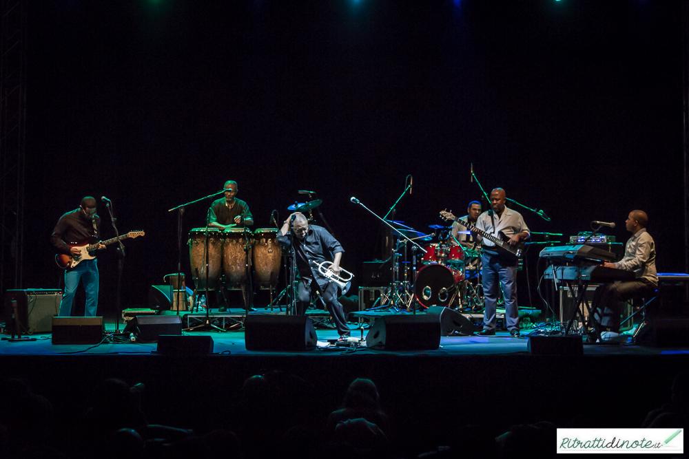 Hugh Masekela & band @ Teatro Mediterraneo Ph Luigi Maffettone