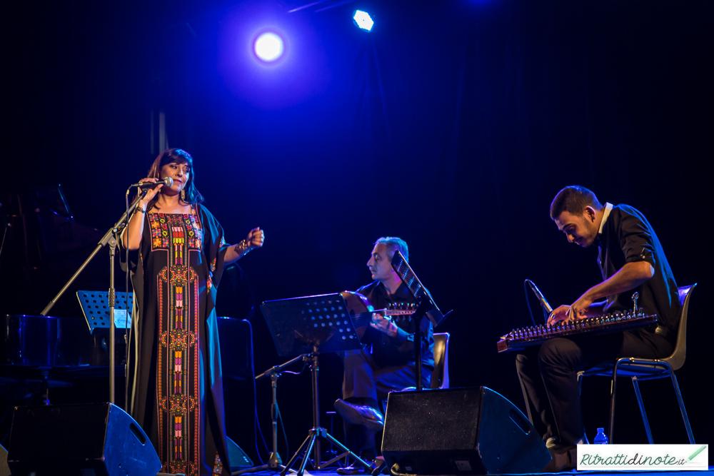 Amal Murkus live @ Napoli Dea Madre ph Luigi Maffettone