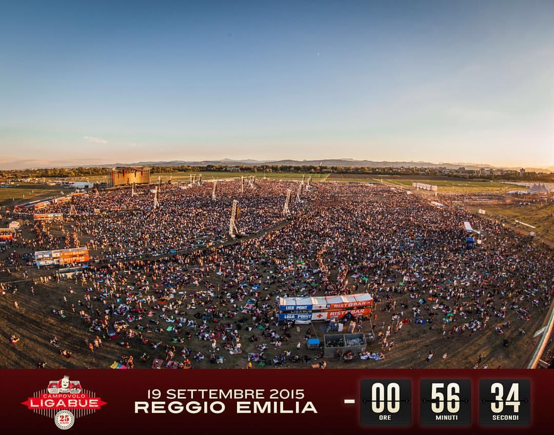 Ligabue live @ Campovolo (scatto pubblicato sulla pagina Facebook dell'artista)