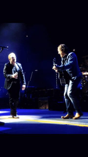 Bono e Zucchero cantano in duetto