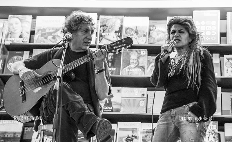 """Eugenio Bennato presenta """"Canzoni di contrabbando"""" ph Roberta Gioberti"""