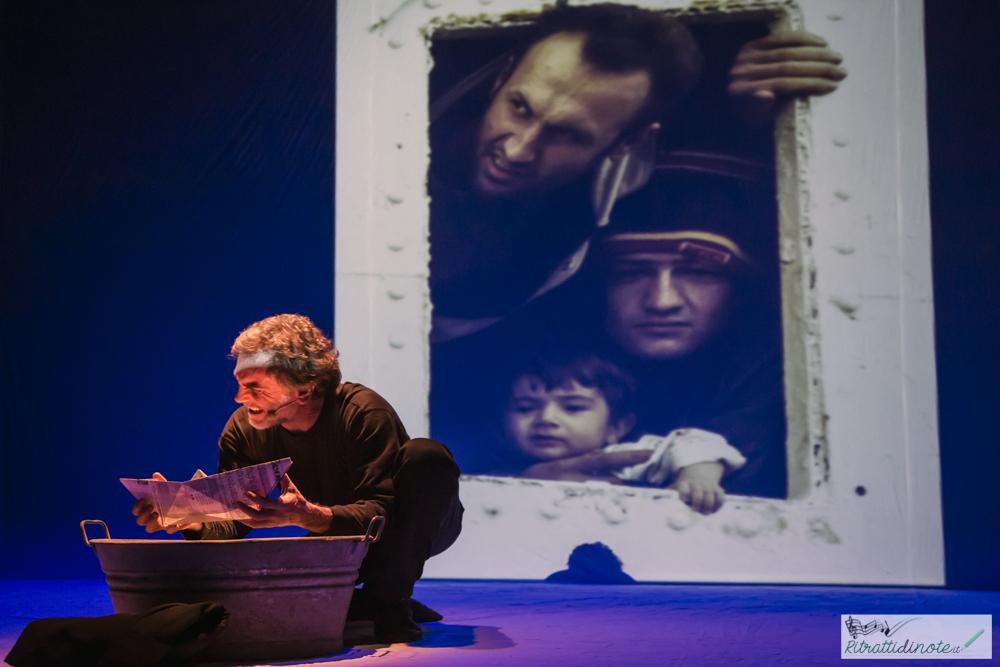 Solo andata @ Teatro Bellini ph Luigi Maffettone
