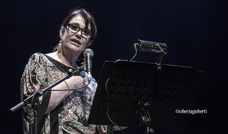 """Roberto Vecchioni e Daria Colombo """"La forza delle donne"""" ph Roberta Gioberti"""