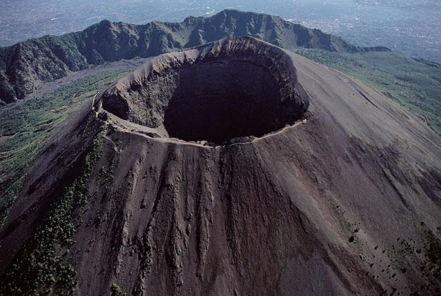 Il cono del Vesuvio