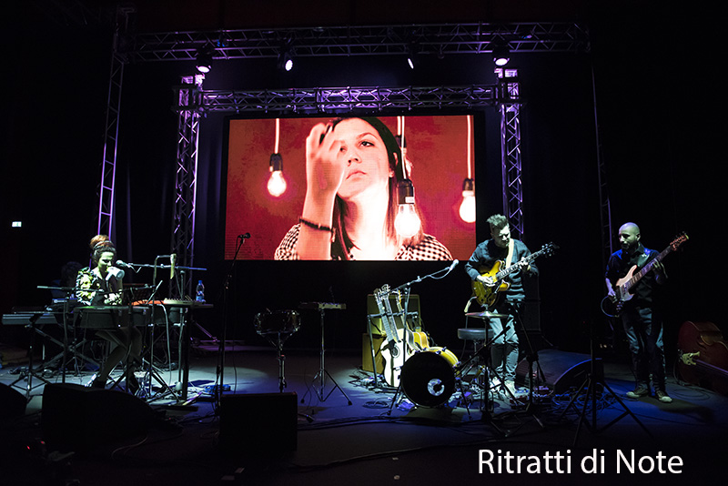 Daiana Lou live -Roma ph Maria Luisa Avella