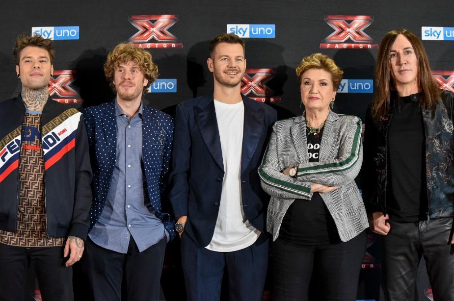 Alessandro Cattelan e i giudici di X Factor 2018