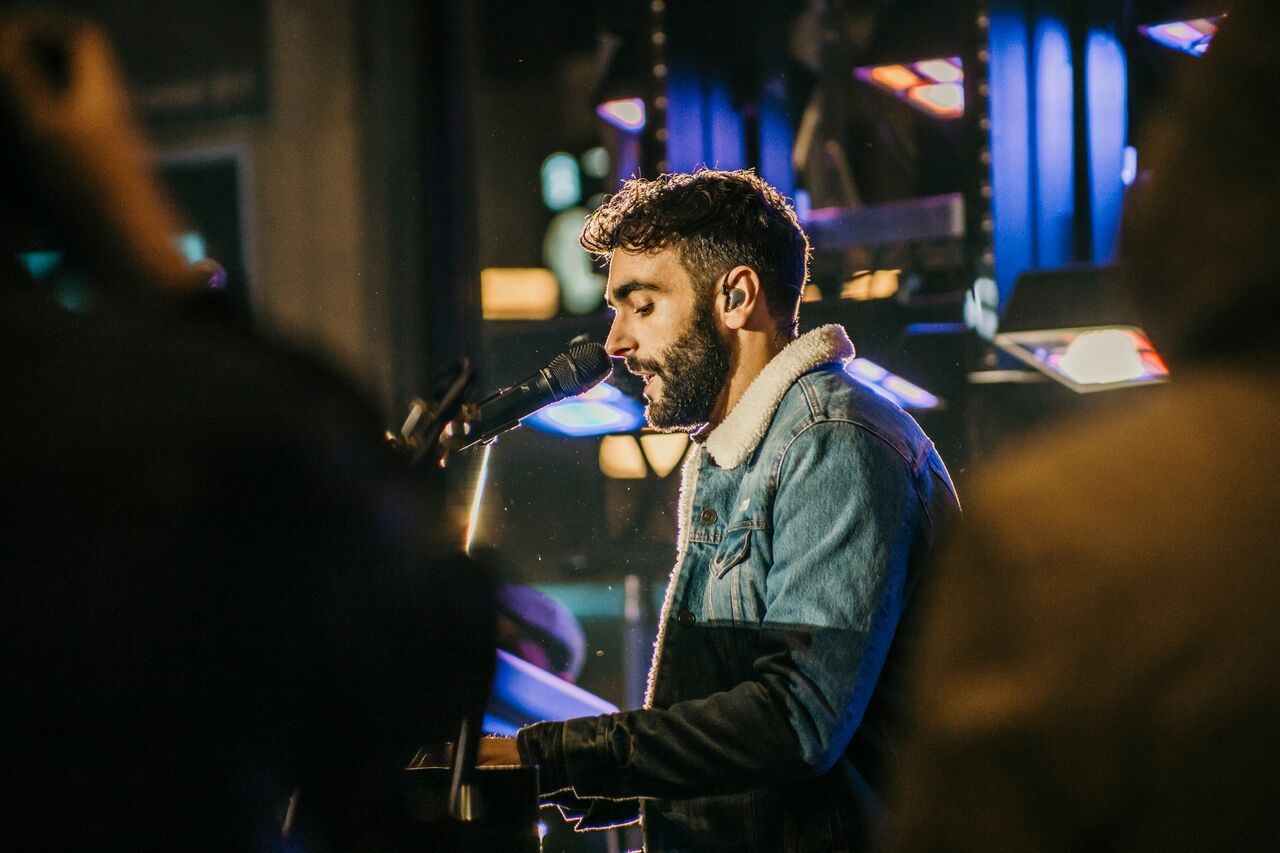 Marco Mengoni al pianoforte - Secret show - Atlantico